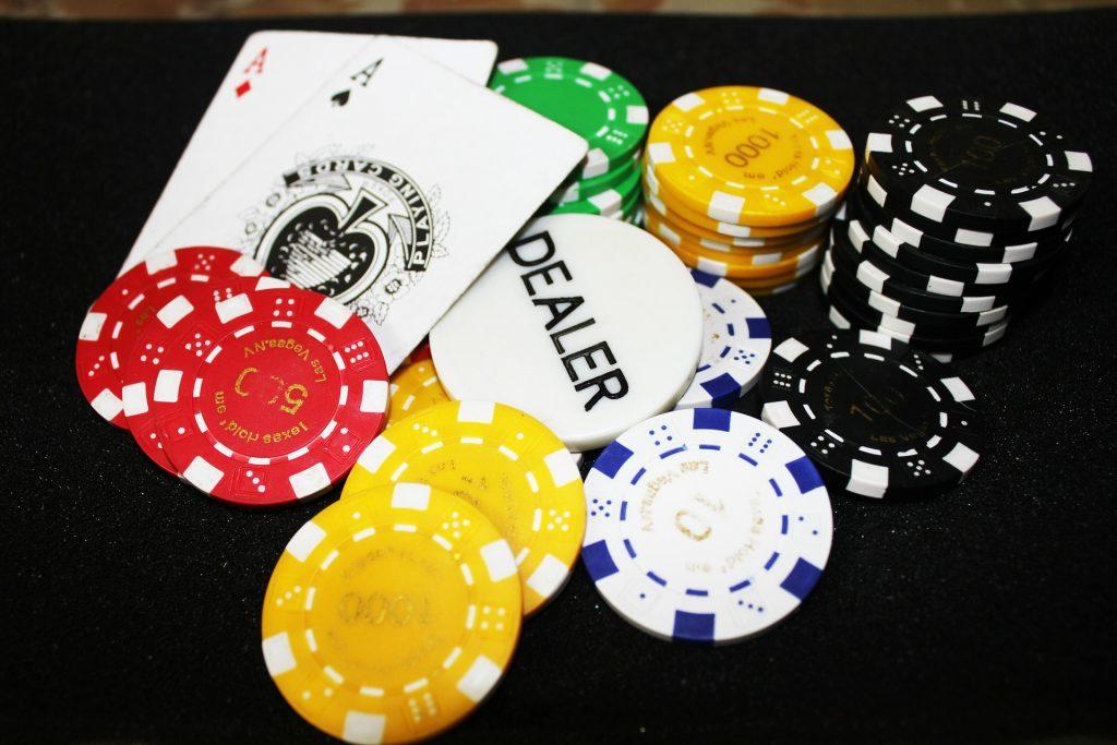 fichas, cartas, baraja, casino, juego, apuestas, 1706231350
