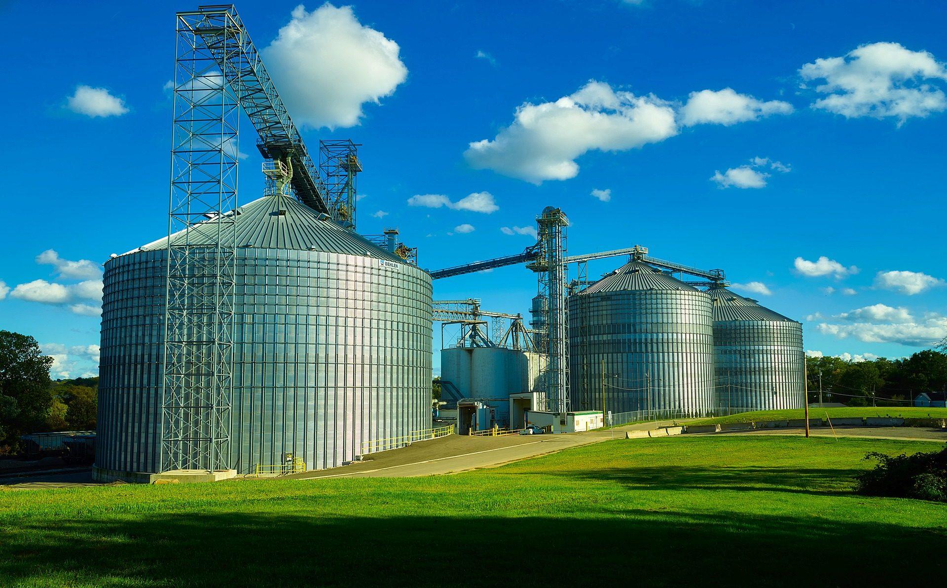 celeiro, silos de, sementes, estruturas, metal, campo, Céu, nuvens - Papéis de parede HD - Professor-falken.com