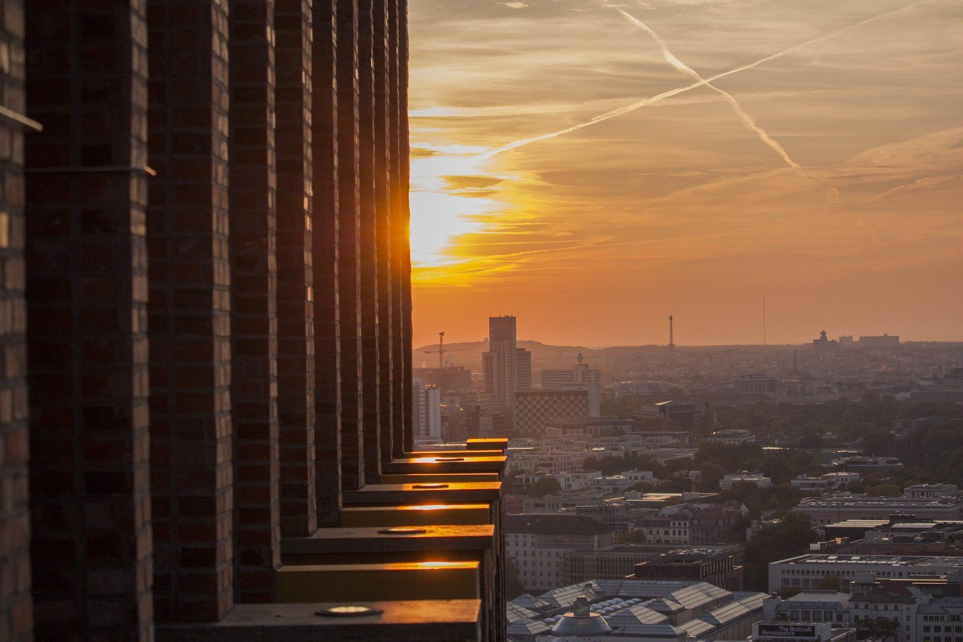 Tramonto, Città, edifici, raggi, luce, Sole, Stele - Sfondi HD - Professor-falken.com