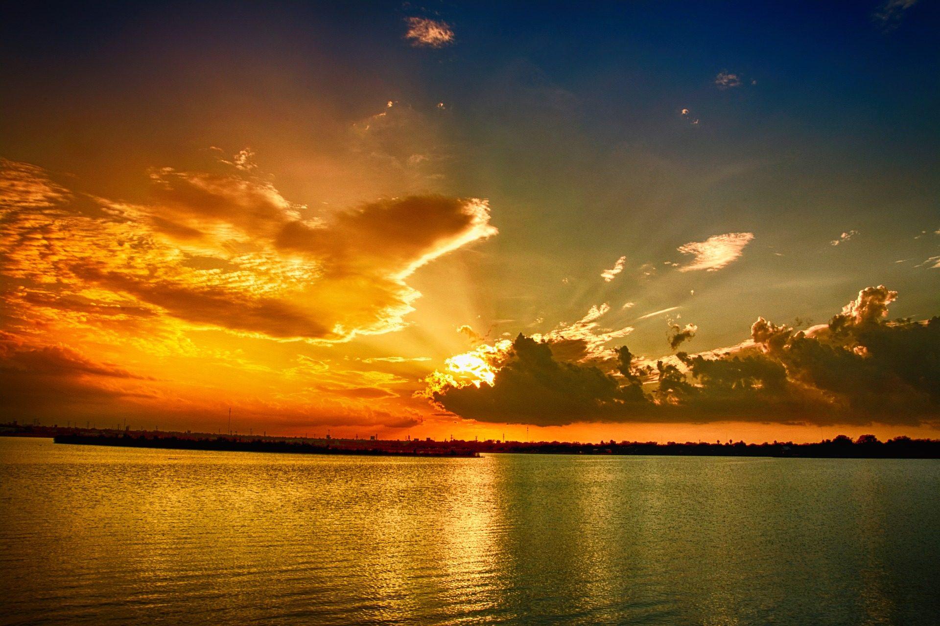Tramonto, Mare, nuvole, raggi, Sole, rilassarsi - Sfondi HD - Professor-falken.com