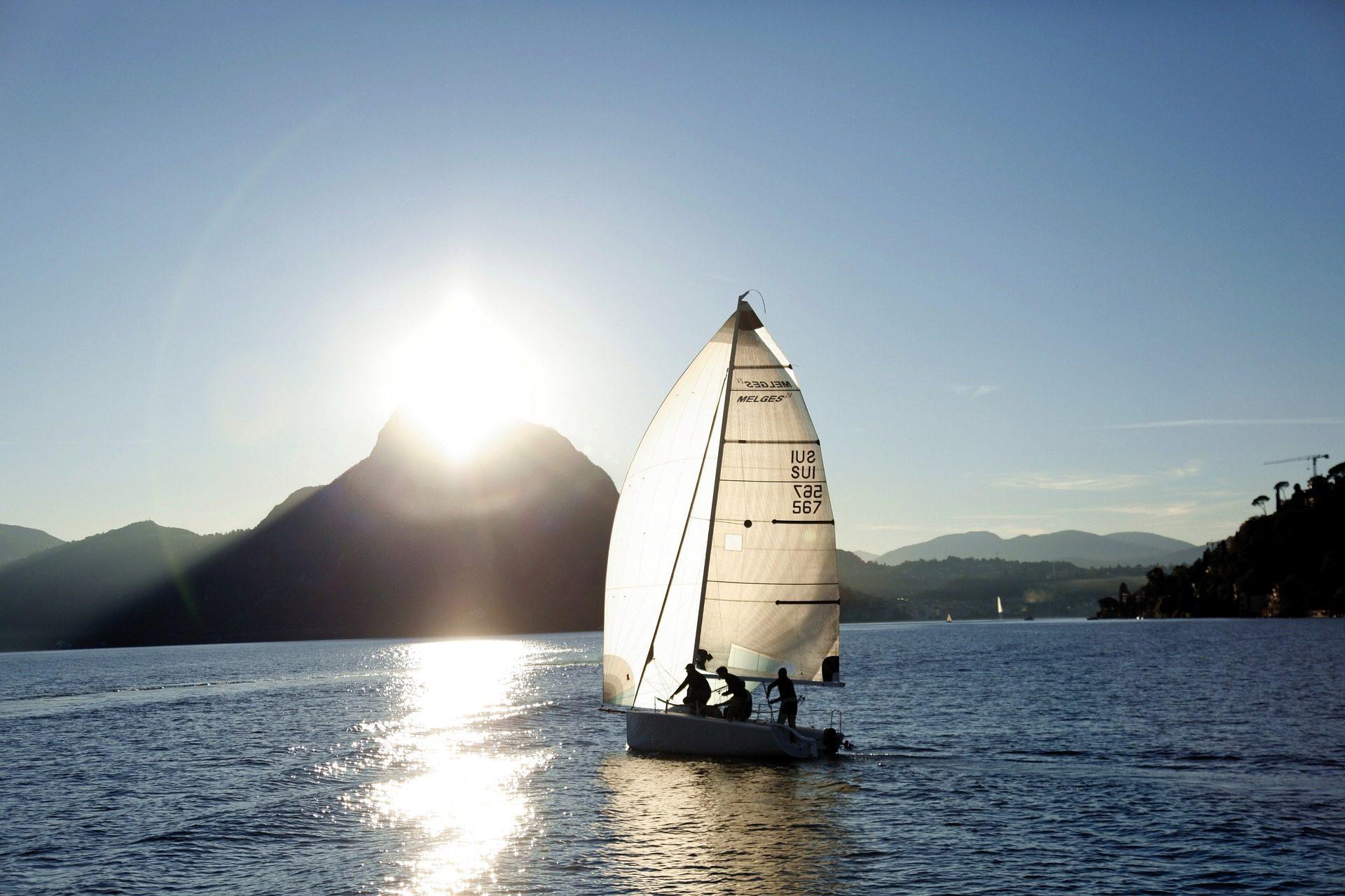 βάρκα, ιστιοφόρο, Θάλασσα, Montañas, Λουγκάνο, Ελβετία - Wallpapers HD - Professor-falken.com