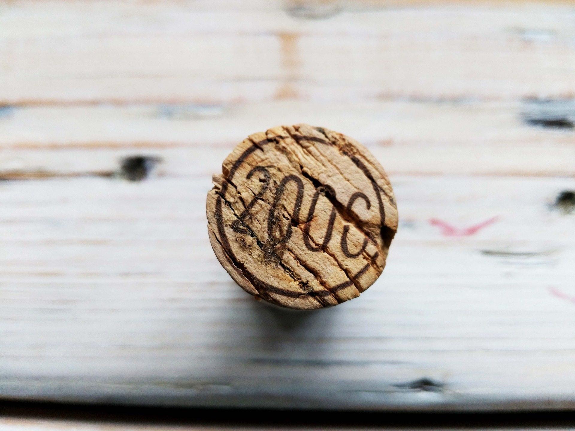 Cork, Tapón, garrafa, vinho, madeira, año - Papéis de parede HD - Professor-falken.com