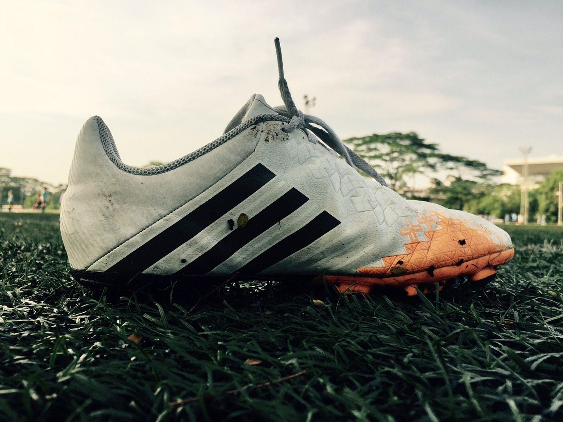chinelos, Fútbol, tacos de, calçado, gramado - Papéis de parede HD - Professor-falken.com