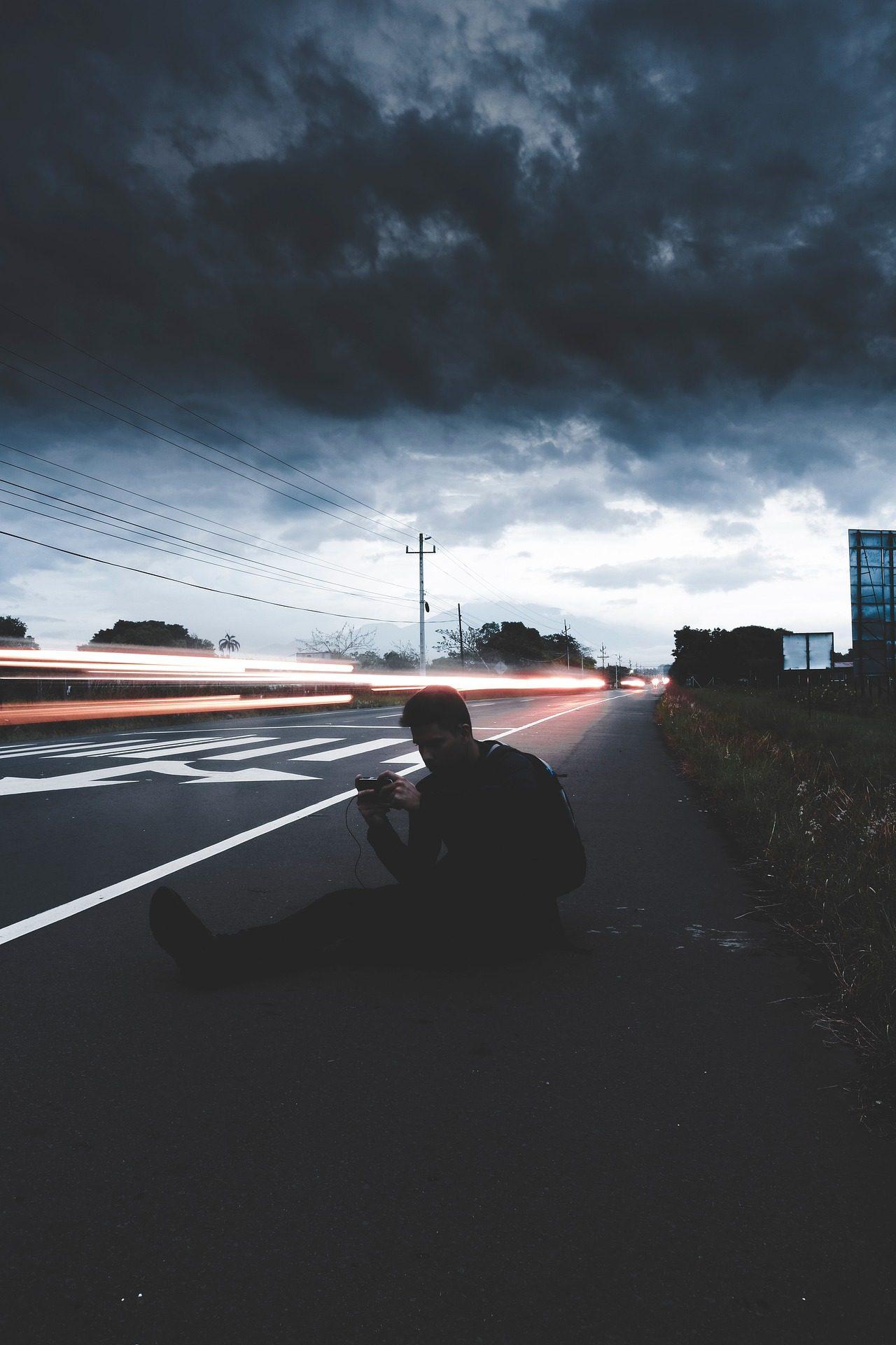 carretera, Route, lumières, homme, Silhouette - Fonds d'écran HD - Professor-falken.com