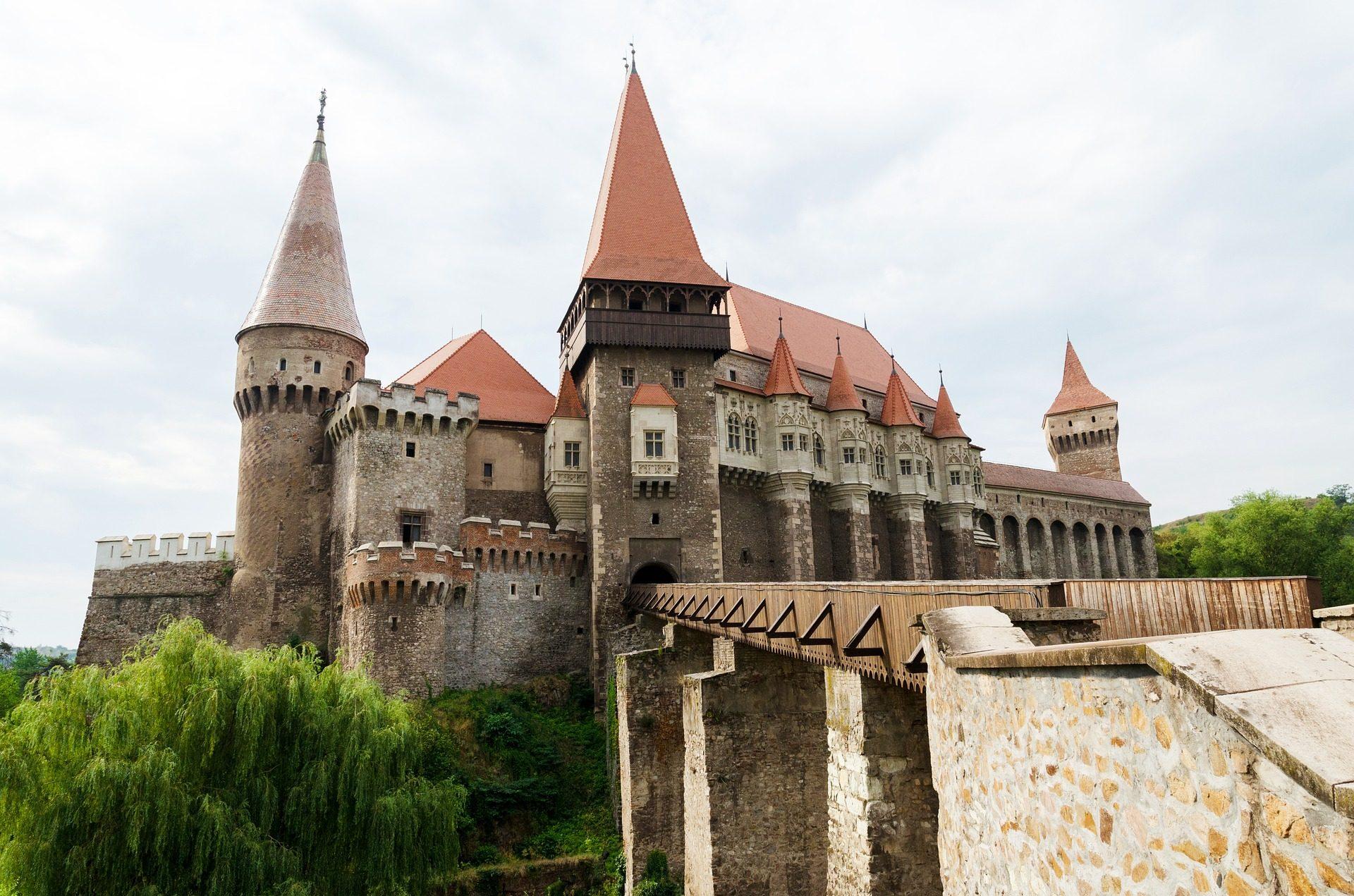 Schloss, Festung, Torres, alt, Brücke - Wallpaper HD - Prof.-falken.com