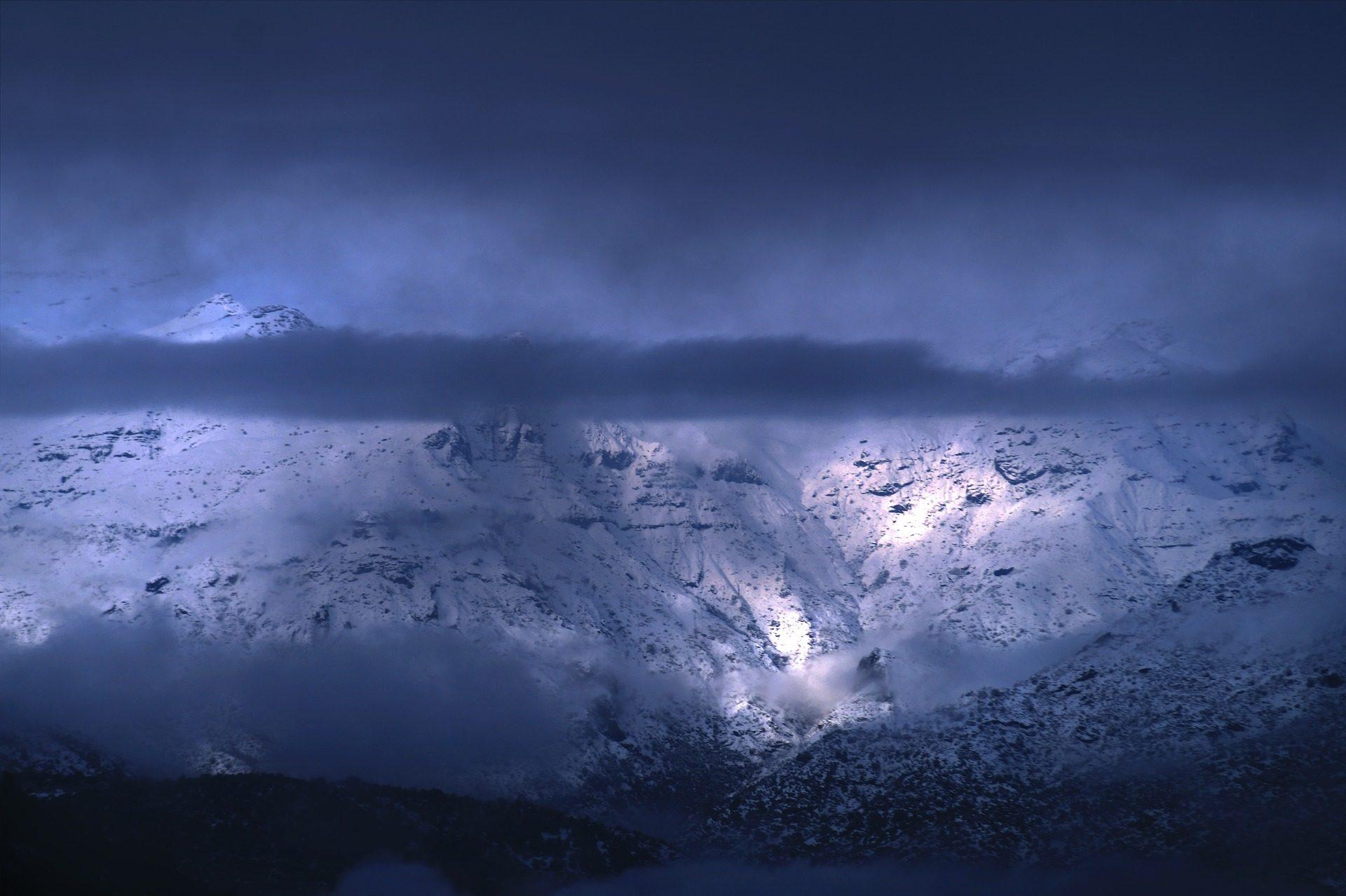 Montañas, neige, Pizza, hauteur, nuages - Fonds d'écran HD - Professor-falken.com
