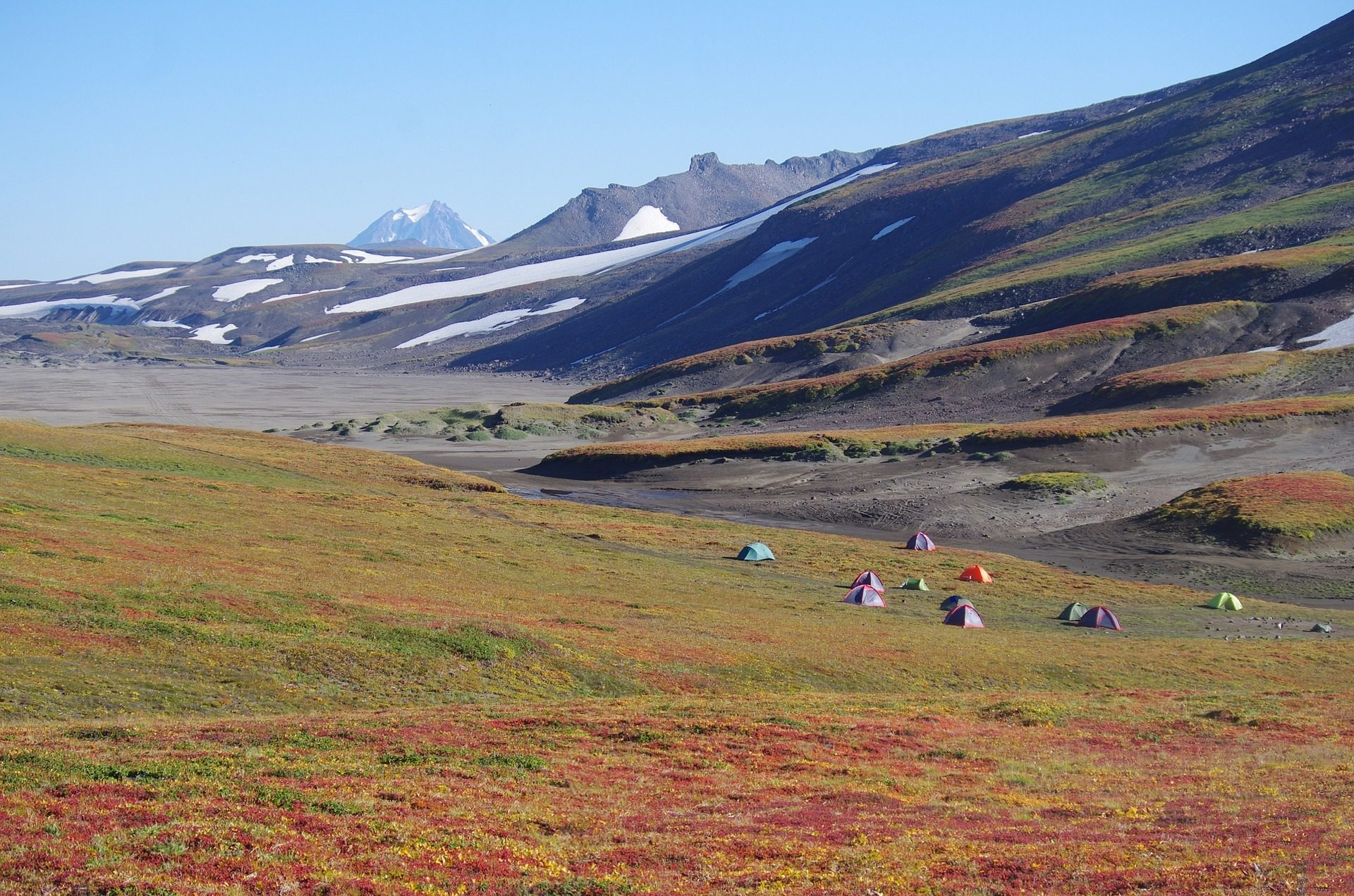 montañas, tiendas, acampada, ladera, expedición - Fondos de Pantalla HD - professor-falken.com