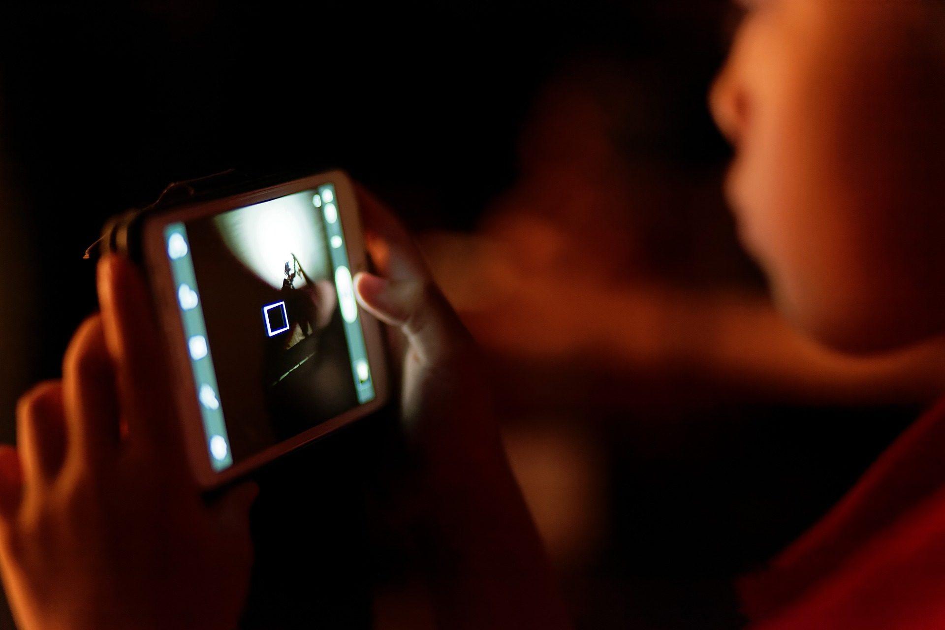 Móvel, telefone, celular, criança, mãos - Papéis de parede HD - Professor-falken.com