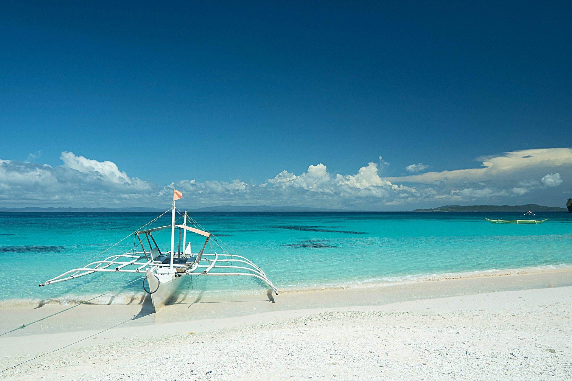 समुद्र तट, क्रिस्टल, मरकत, रेत, Barca, बादल - HD वॉलपेपर - प्रोफेसर-falken.com