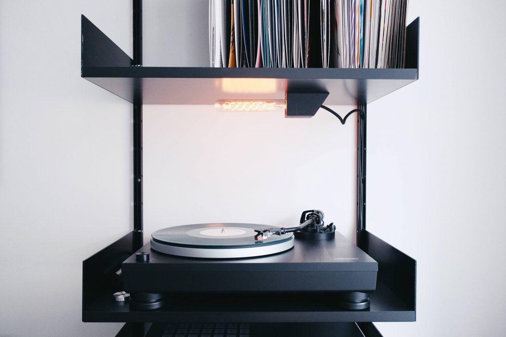 tocadiscos, discos, vinilos, colección, vintage, 1708201935