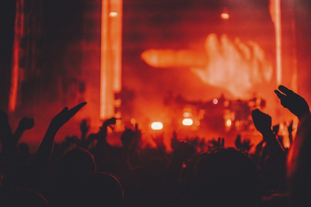 人, コンサート, 手, 夜, 楽しい, ライト, 1709152136