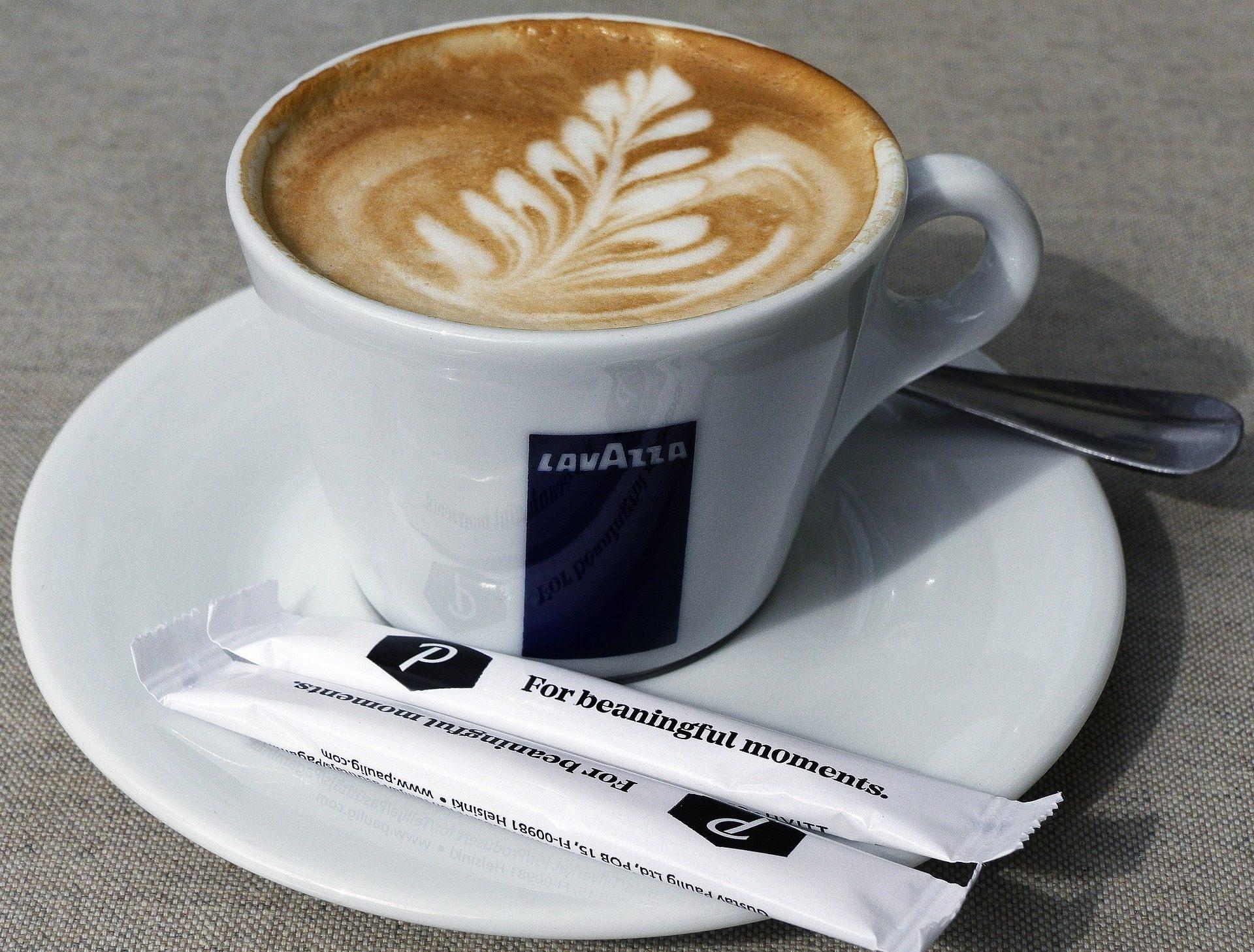 Fondo de pantalla de taza caf capuccino espuma dibujo for Tazas cafeteria
