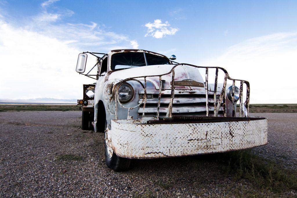 furgoneta, coche, antiguo, abandonado, oxidado, delantera, vintage, 1710071743