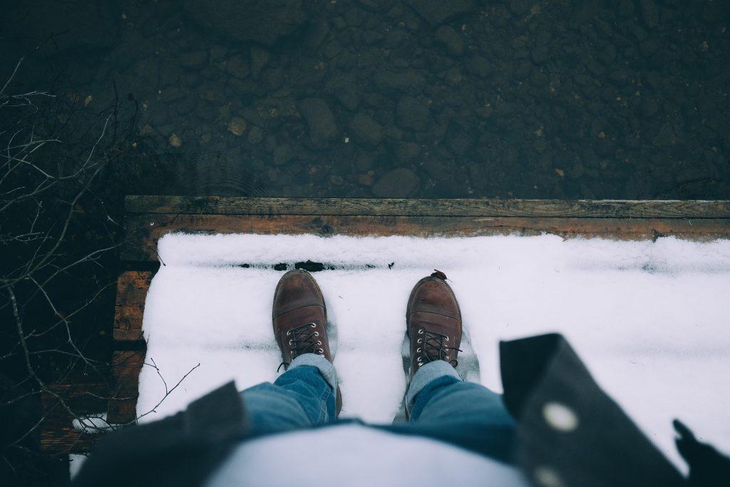 hombre, zapatos, pies, tabla, lago, nieve, 1710141514