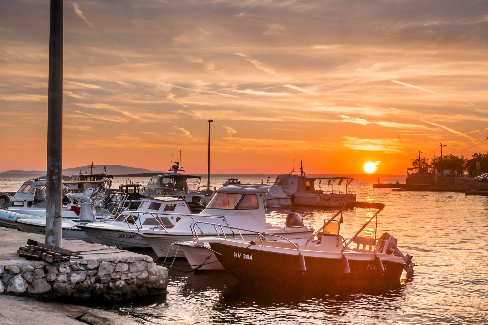 Barche, Tramonto, Sole, Mare, nuvole, porta - Sfondi HD - Professor-falken.com