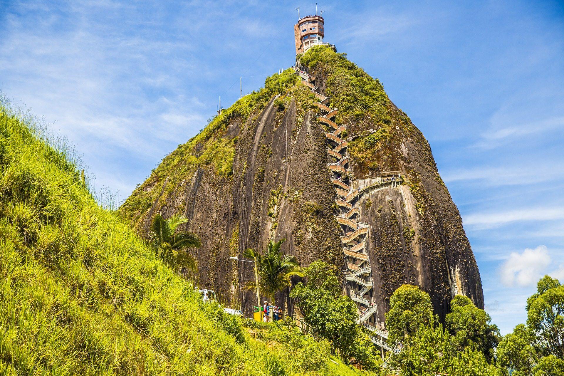 Дом, Монтанья, Рока, лестницы, Высота над уровнем моря, Вверх, растительность, Колумбия - Обои HD - Профессор falken.com