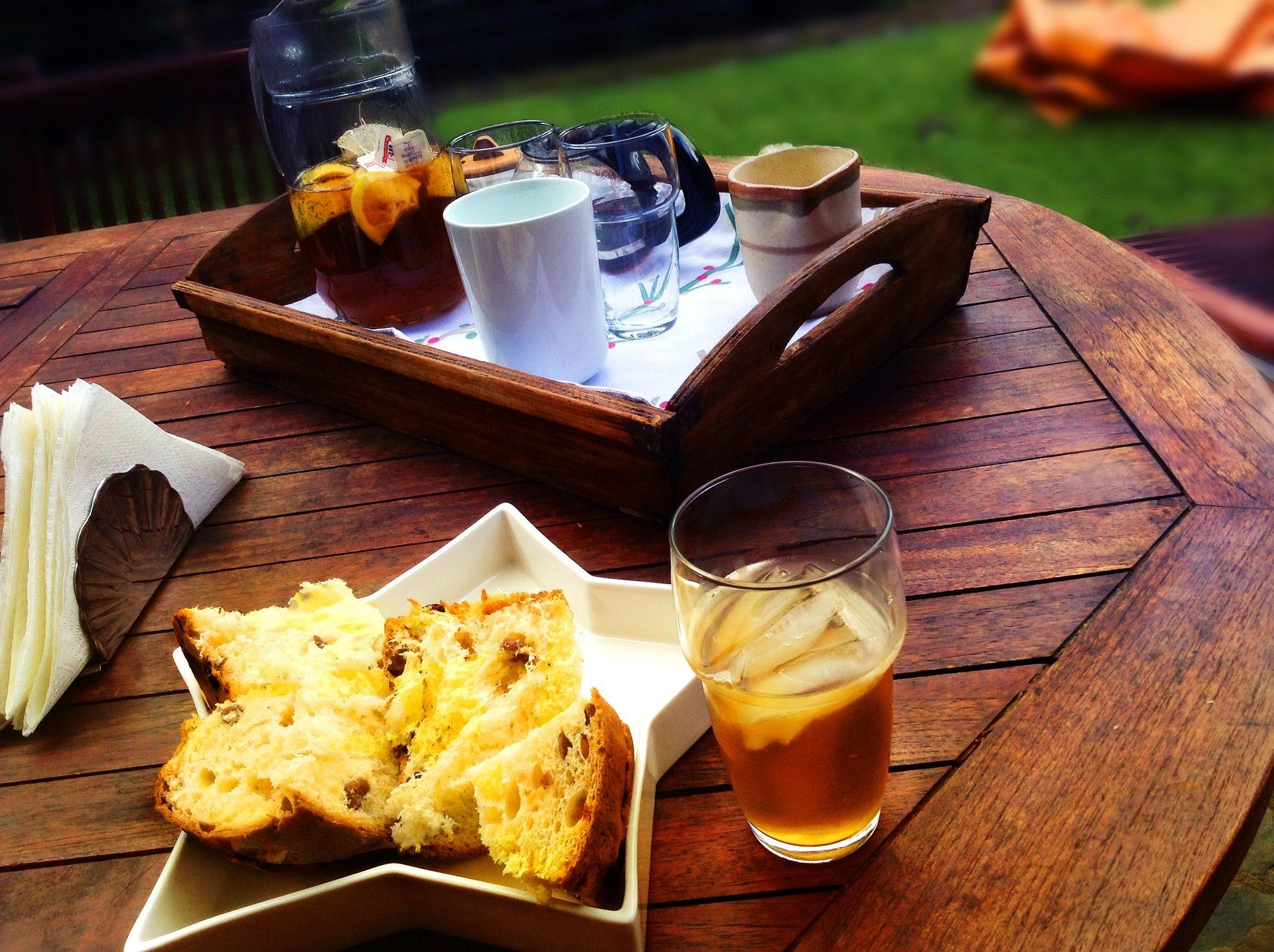 πρωινό, κέικ σφουγγαριών, τσάι, Πίνακας, ξύλο, δίσκος, Αστέρι, σκάφη - Wallpapers HD - Professor-falken.com