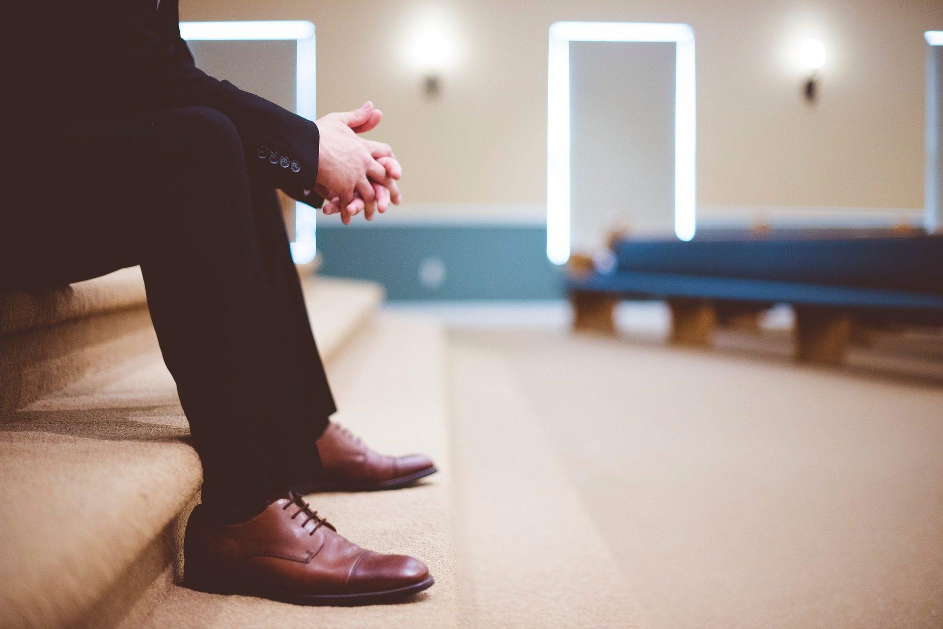 رجل, حلي, أحذية, درج معالجته, انتظر, الصبر, أيدي - خلفيات عالية الدقة - أستاذ falken.com