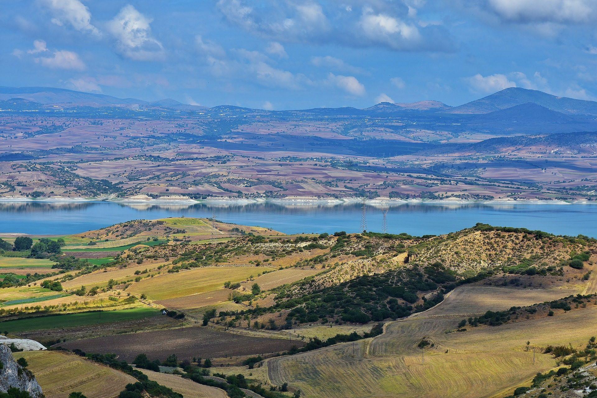Entfernung, Montañas, Plain, Río, Himmel, Wolken - Wallpaper HD - Prof.-falken.com