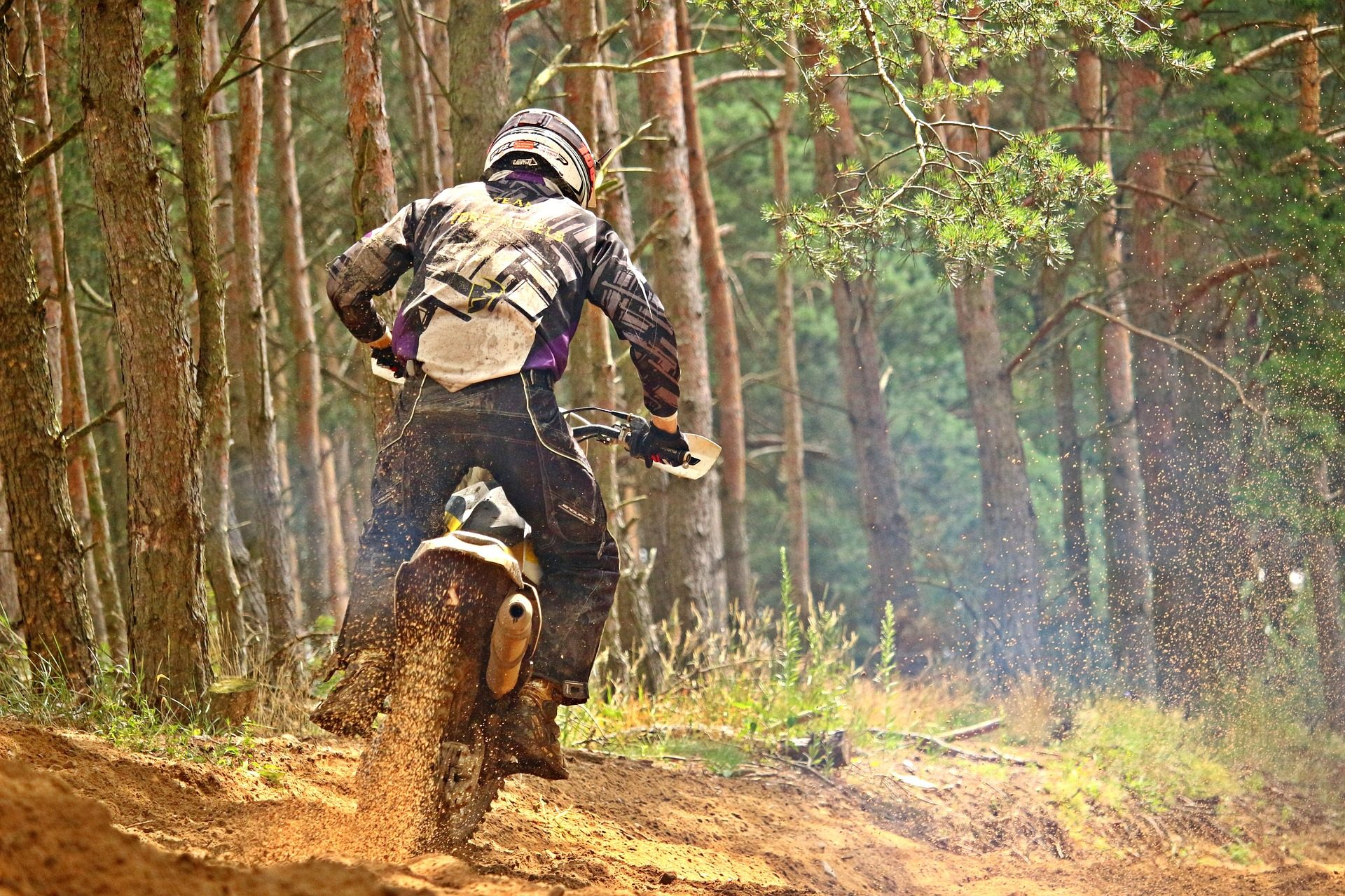 μοτοσικλέτα, πρόγραμμα οδήγησης, Μοτοκρός, λάσπη, δάσος, παρακολουθείτε, ταχύτητα, κινδύνου - Wallpapers HD - Professor-falken.com