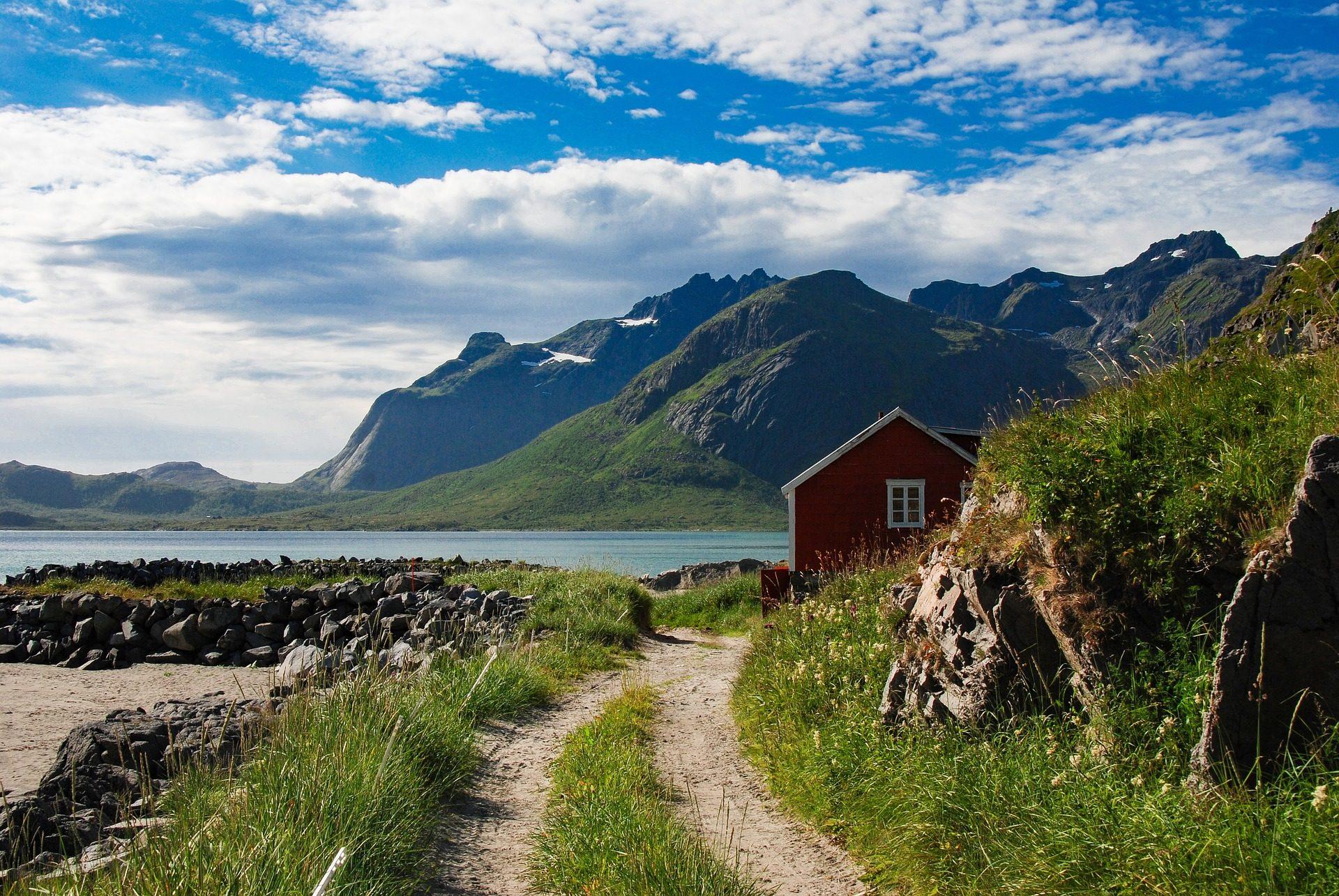 房子, Montañas, 字段, 雪, 湖, 云彩, 挪威 - 高清壁纸 - 教授-falken.com