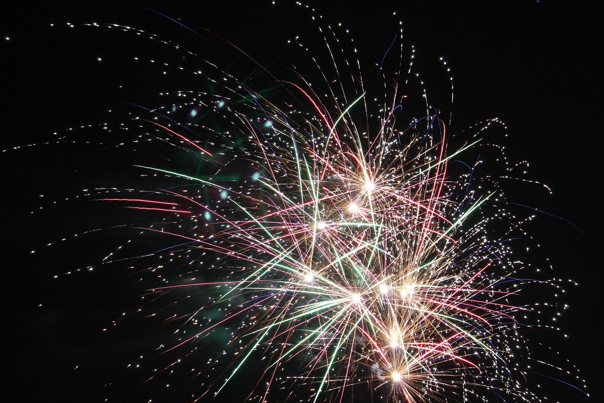 Feux d'artifice, fusées, explosions, pétards, coloré, nuit - Fonds d'écran HD - Professor-falken.com