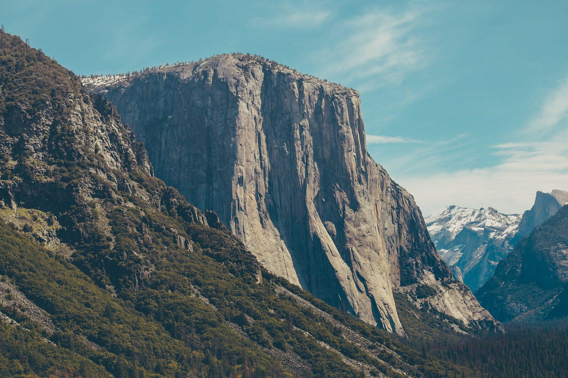 Montañas, Forest, arbres, hauteurs, neige, flanc de coteau - Fonds d'écran HD - Professor-falken.com