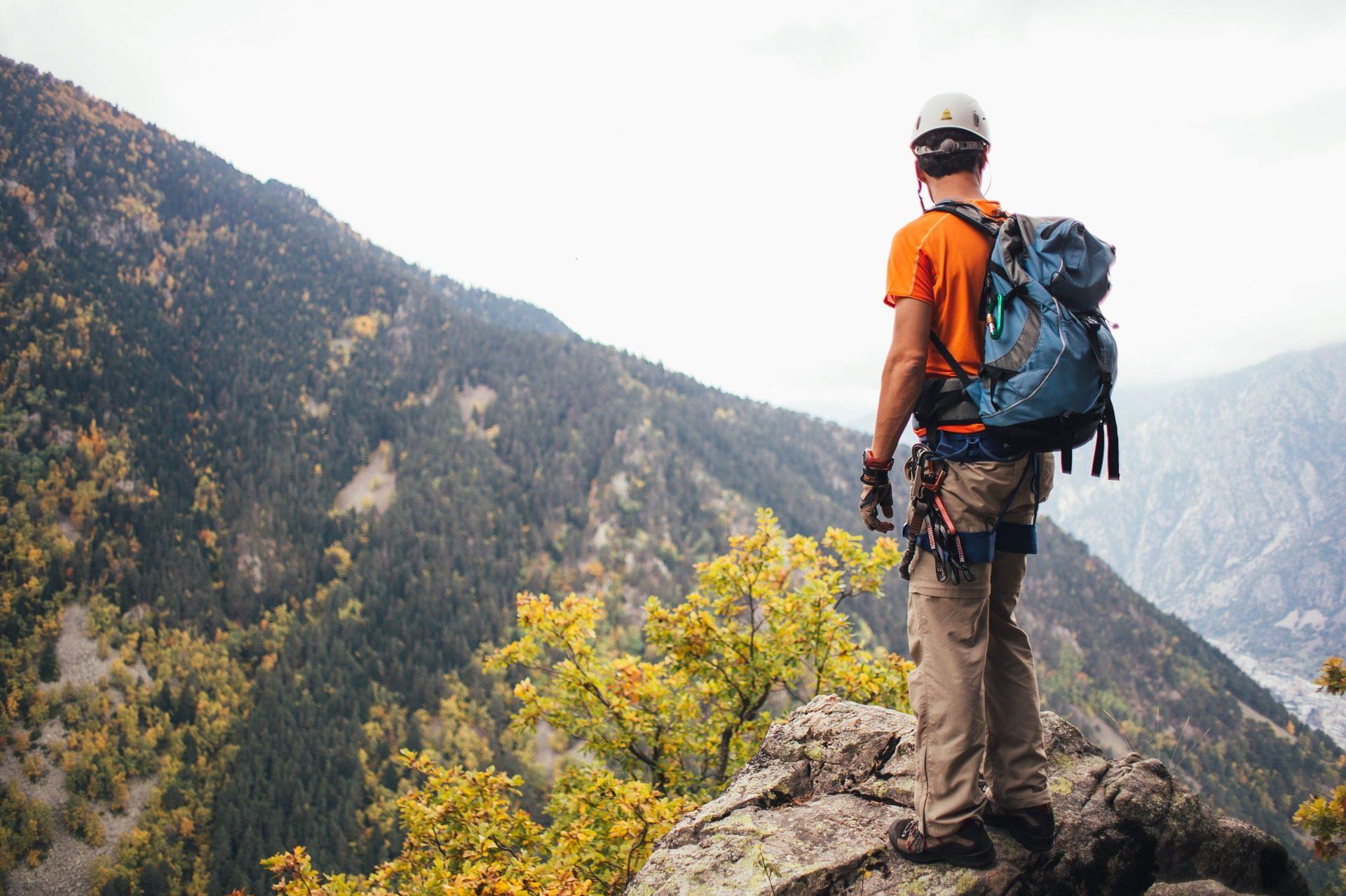 Montañas, Wanderer, alpinista, Bergsteiger, Team, Bäume - Wallpaper HD - Prof.-falken.com