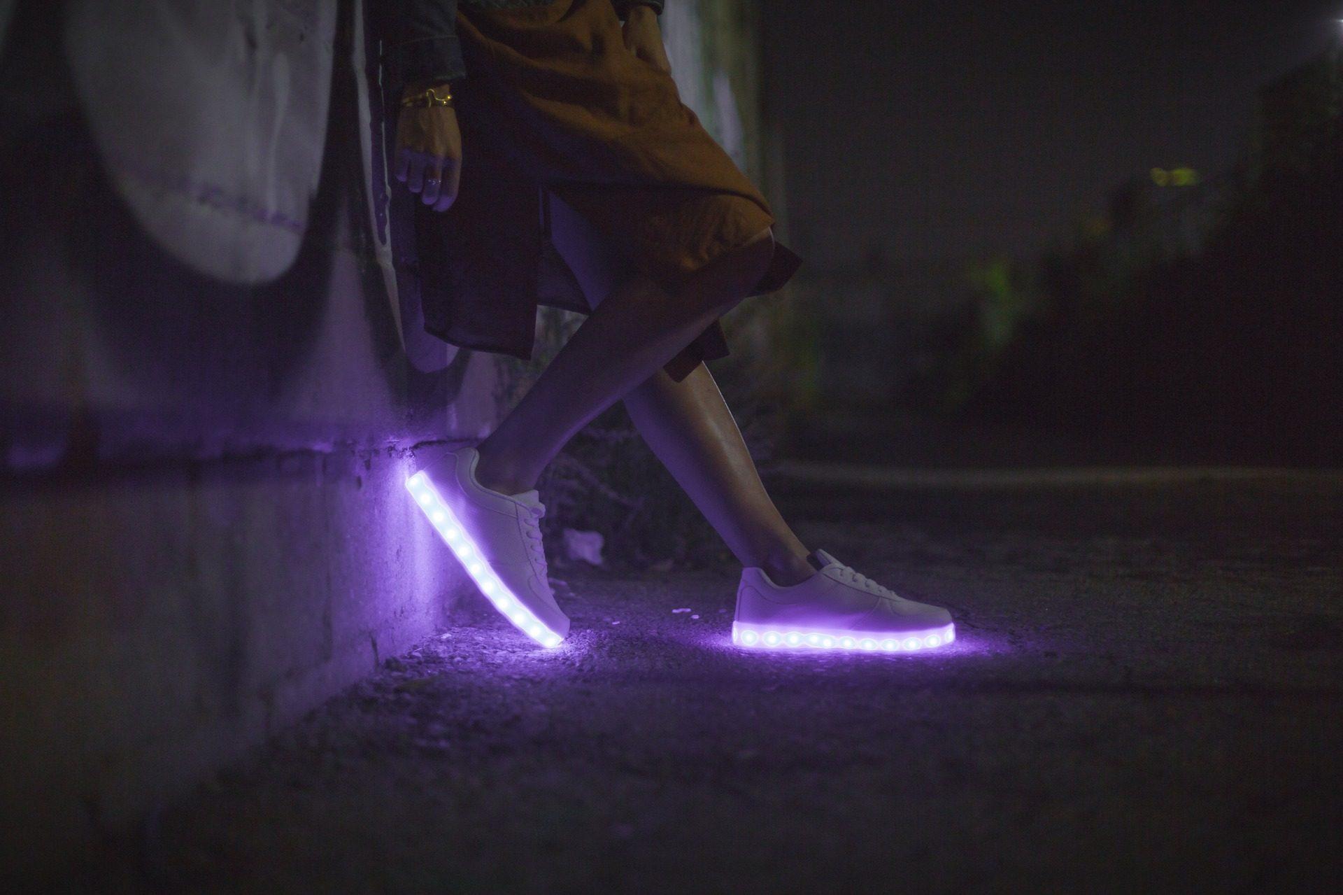 Schuhe, Lichter, LED, Nacht, Hausschuhe - Wallpaper HD - Prof.-falken.com