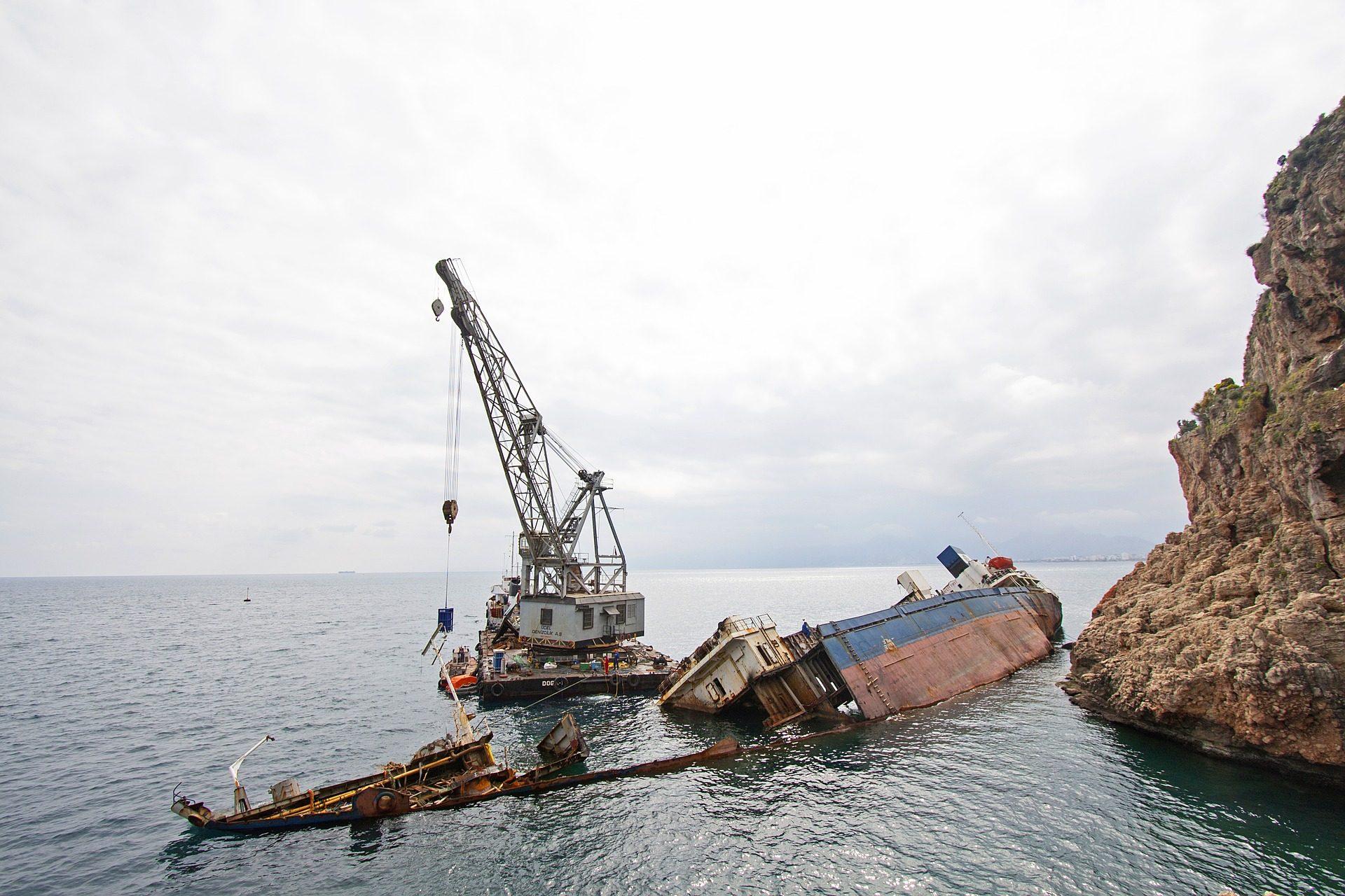 小船, 船舶, 事故, 下沉, 起重机, 灾难 - 高清壁纸 - 教授-falken.com