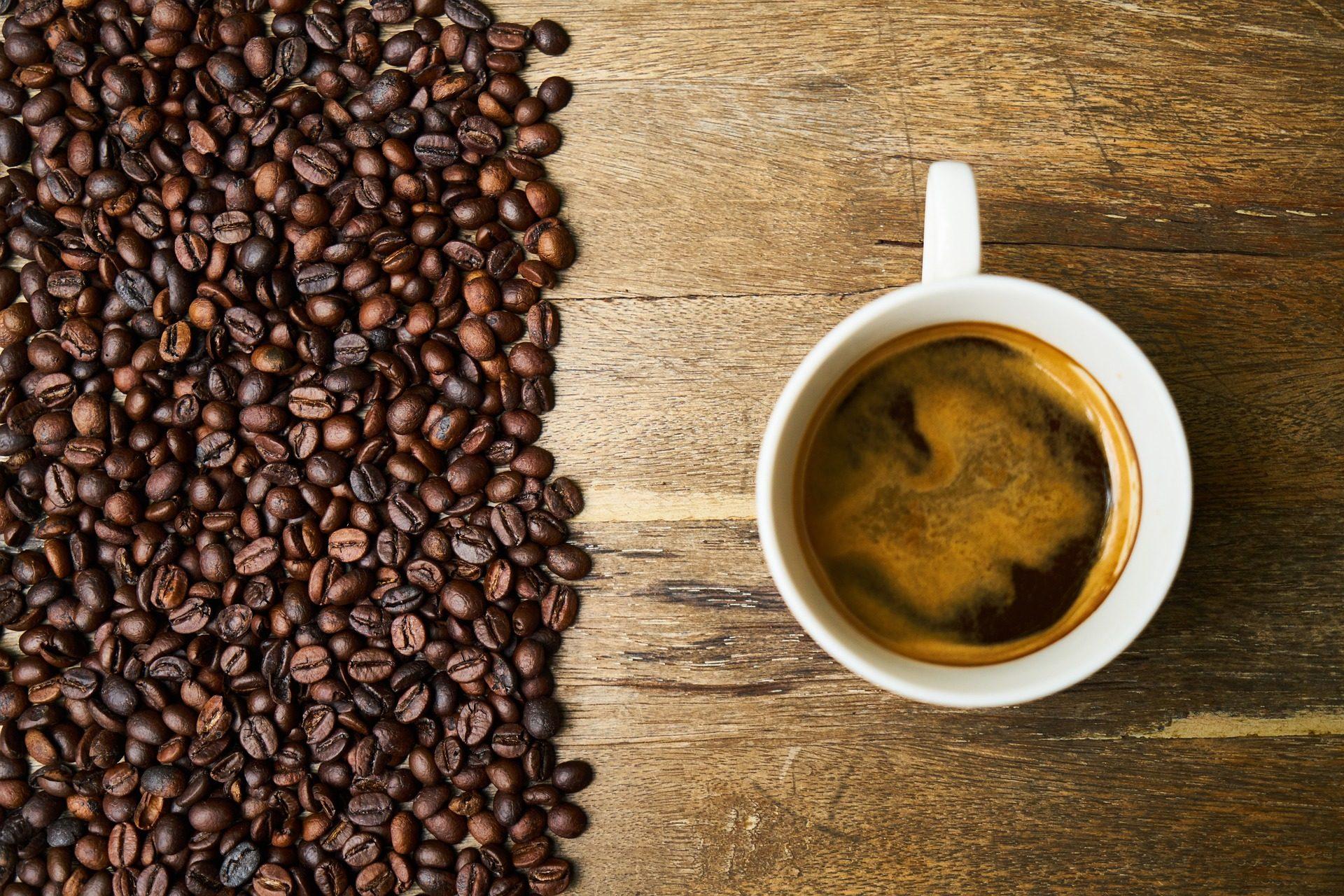 咖啡, 谷物, 杯, 香气, cafeína - 高清壁纸 - 教授-falken.com