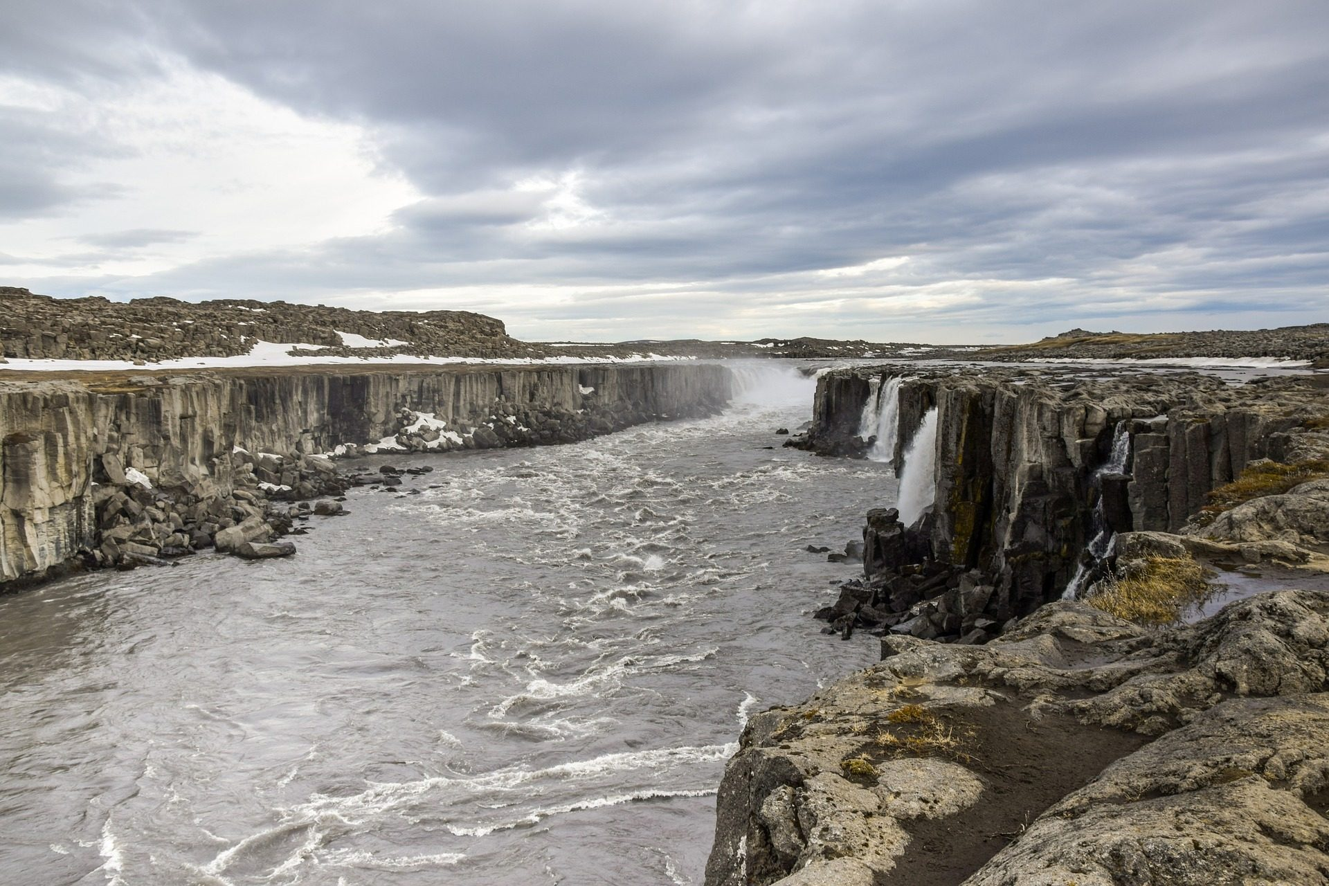 Cascate, cade, Rocas, pietre, disgelo, neve, Islanda - Sfondi HD - Professor-falken.com