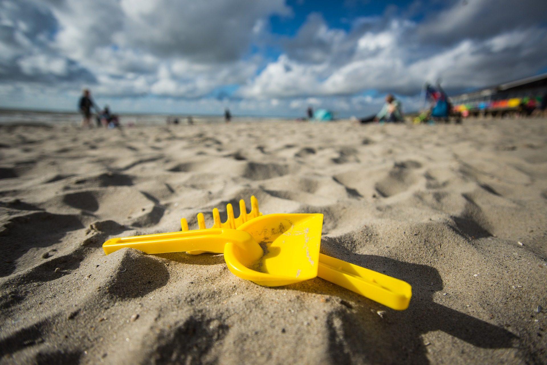 铲, 耙, 沙子, 海滩, 玩具, 云彩 - 高清壁纸 - 教授-falken.com