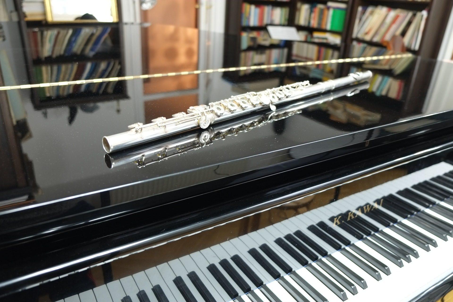 pianoforte, flauto, strumenti, chiavi, scaffalature, dischi - Sfondi HD - Professor-falken.com