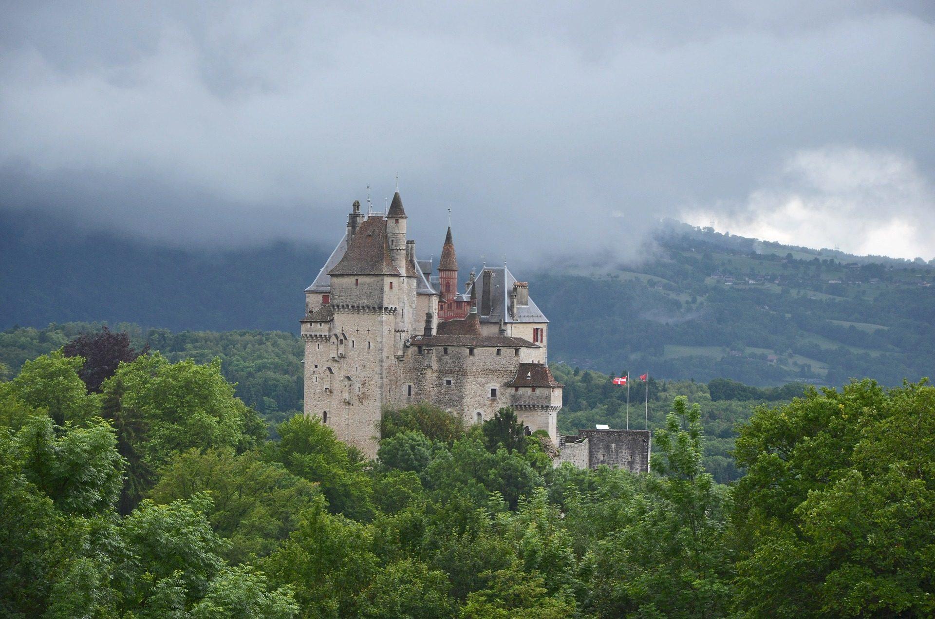 castillo, قصر, fالقلعة الغابات, الغطاء النباتي, السحب. - خلفيات عالية الدقة - أستاذ falken.com