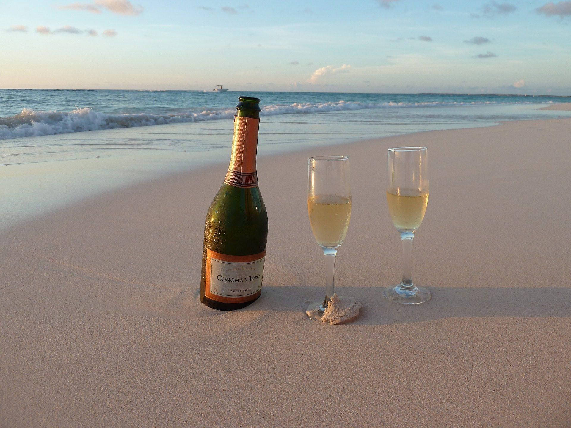 champán, copas, arena, playa, mar, romántico - Fondos de Pantalla HD - professor-falken.com