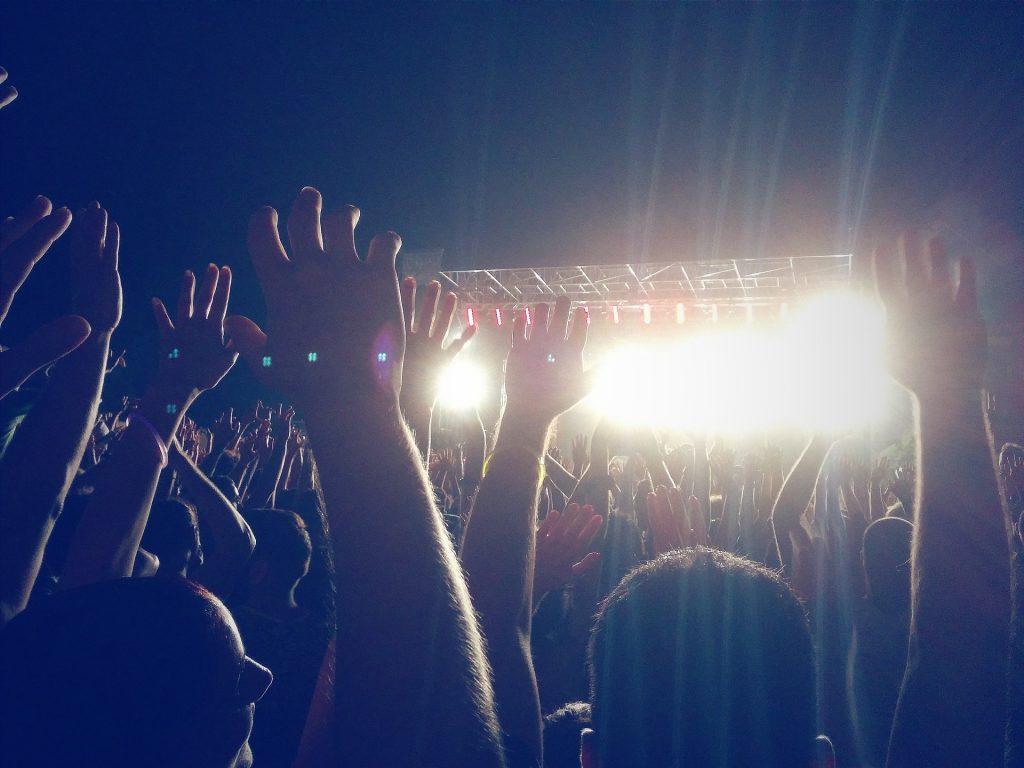 concierto, manos, luces, focos, diversión, 1803312327