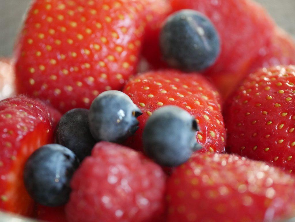 fresas, arándanos, fruta, bayas, saludable, de cerca, 1803141947
