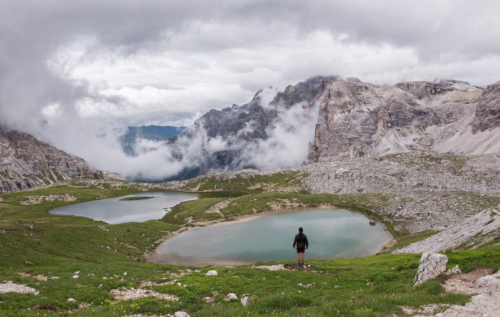 湖, モンタナス, 雲, 高さ, 男, ハイカー - HD の壁紙 - 教授-falken.com