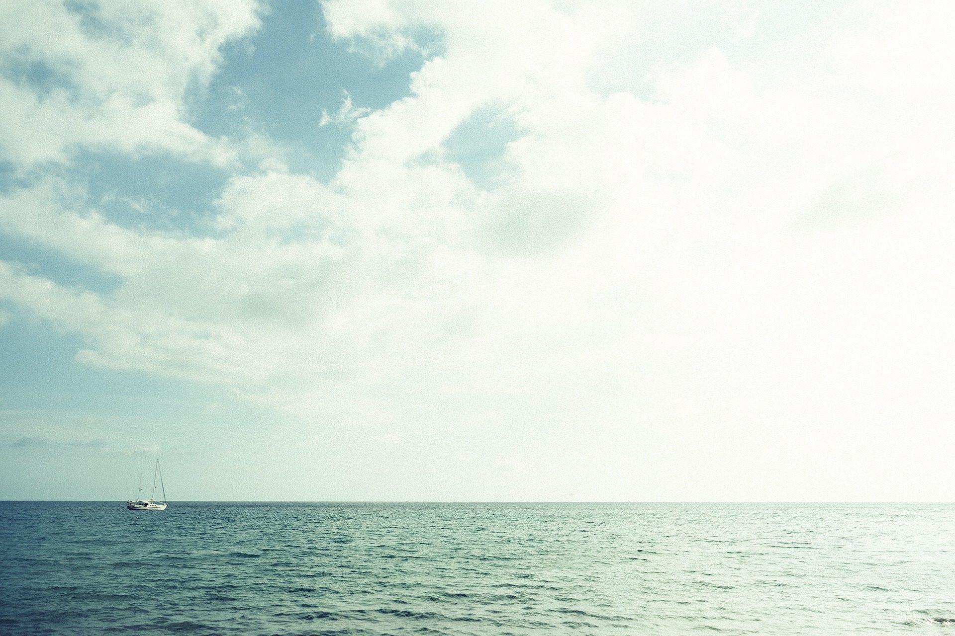 البحر, المحيط, الأفق, قارب, السماء, السحب. - خلفيات عالية الدقة - أستاذ falken.com