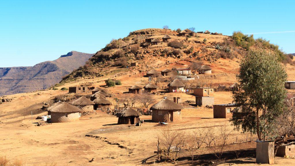 montaña, colina, poblado, cabañas, lesoto, áfrica, 1803170813
