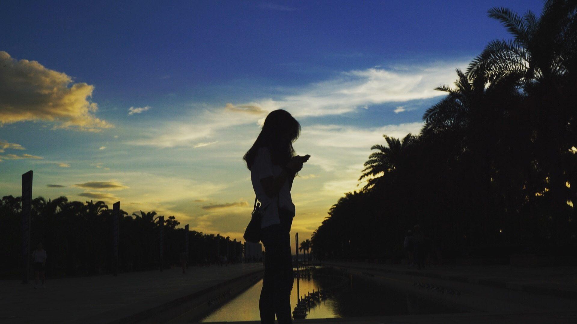 γυναίκα, Σιλουέτα, Παραλία, Ηλιοβασίλεμα, σκιές - Wallpapers HD - Professor-falken.com