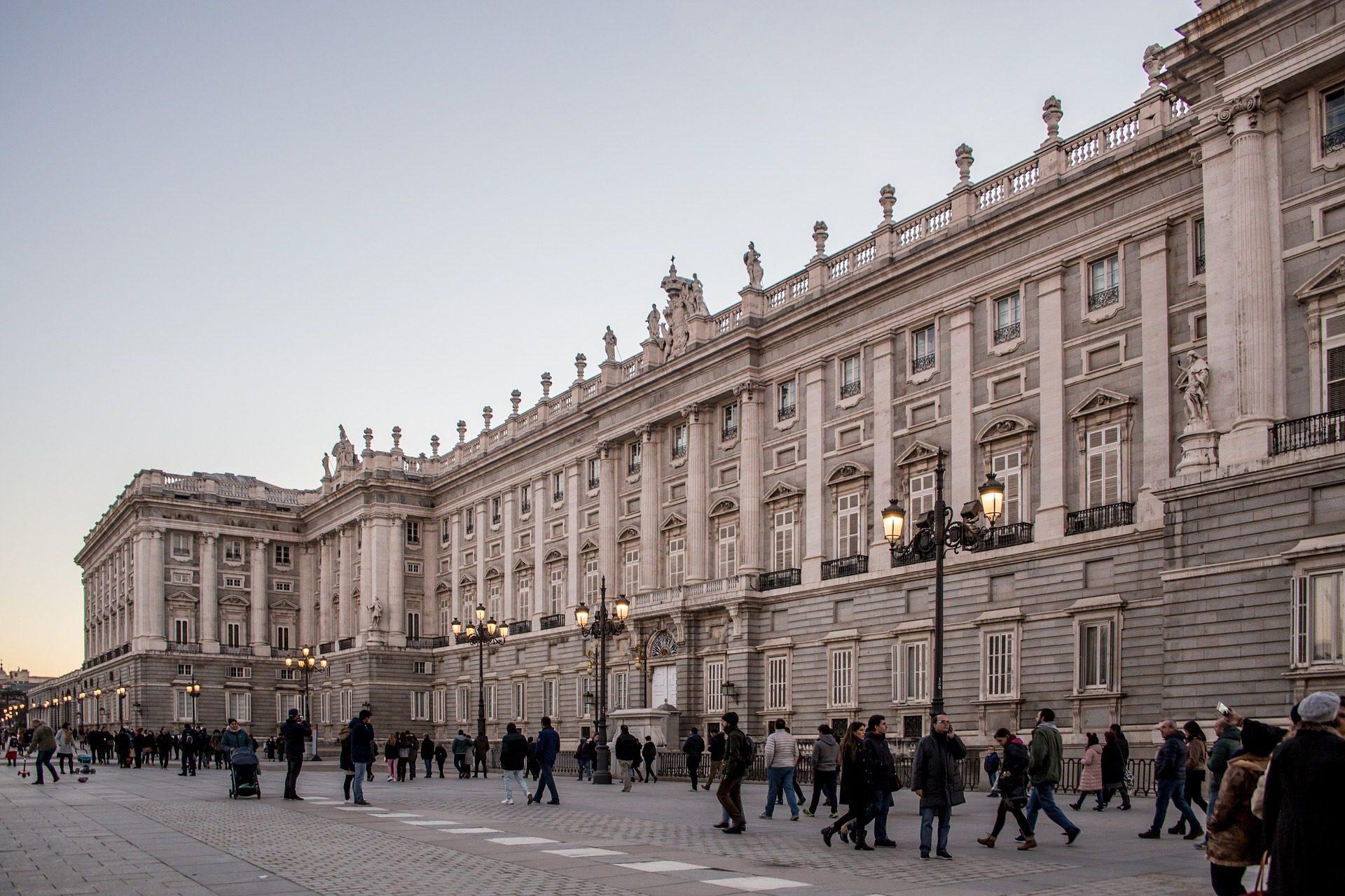 palacio, real, edificio, arquitectura, turismo, gente, madrid - Fondos de Pantalla HD - professor-falken.com