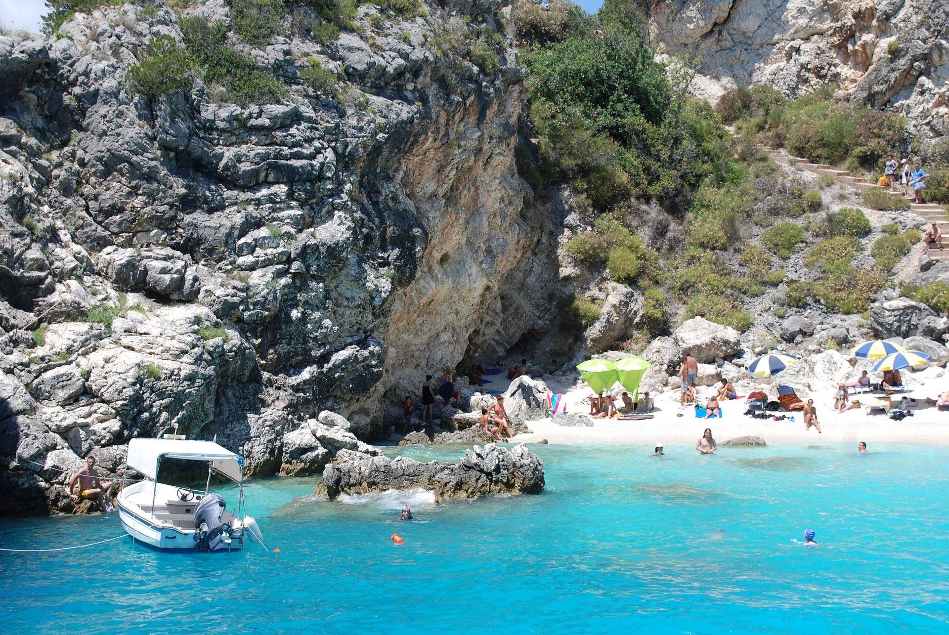 Plage, Costa, pierres, Falaise, Tourisme, Turquoise, Agiofili, Grèce - Fonds d'écran HD - Professor-falken.com