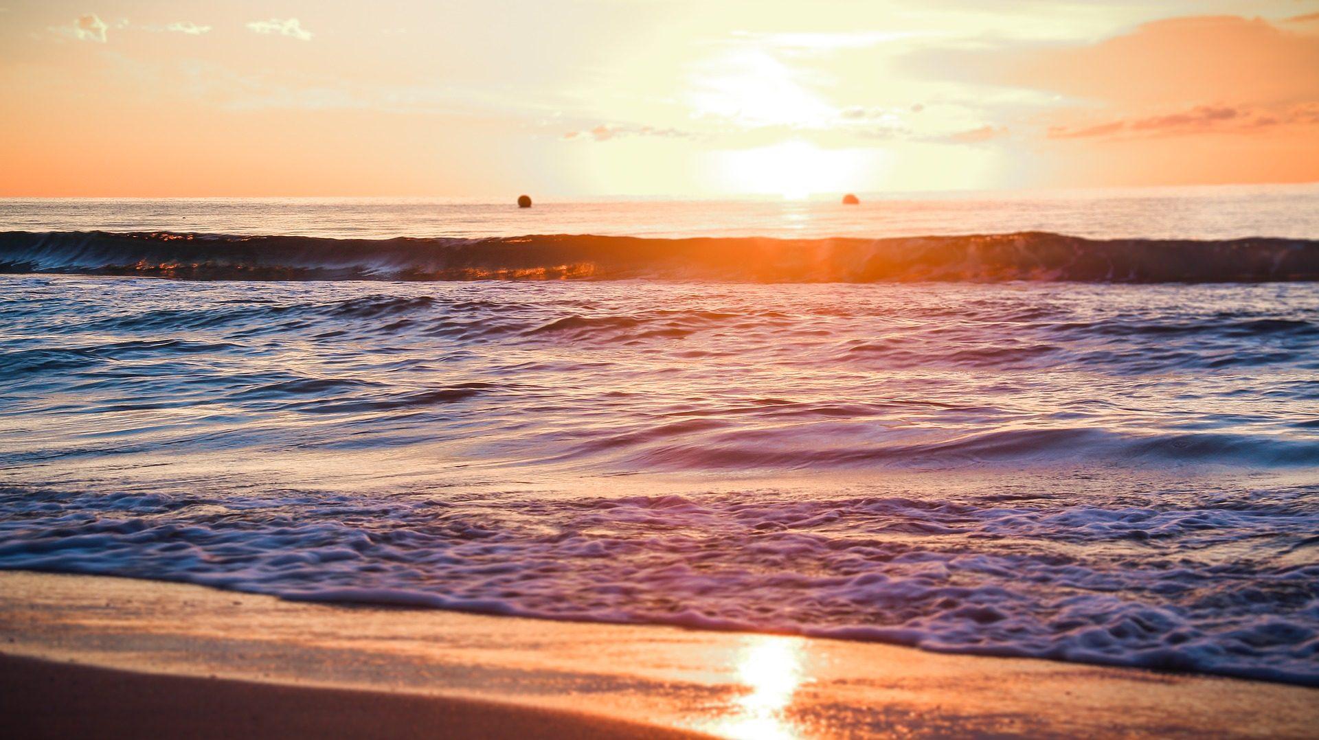 Spiaggia, Mare, sabbia, Tramonto, Sole, onde - Sfondi HD - Professor-falken.com