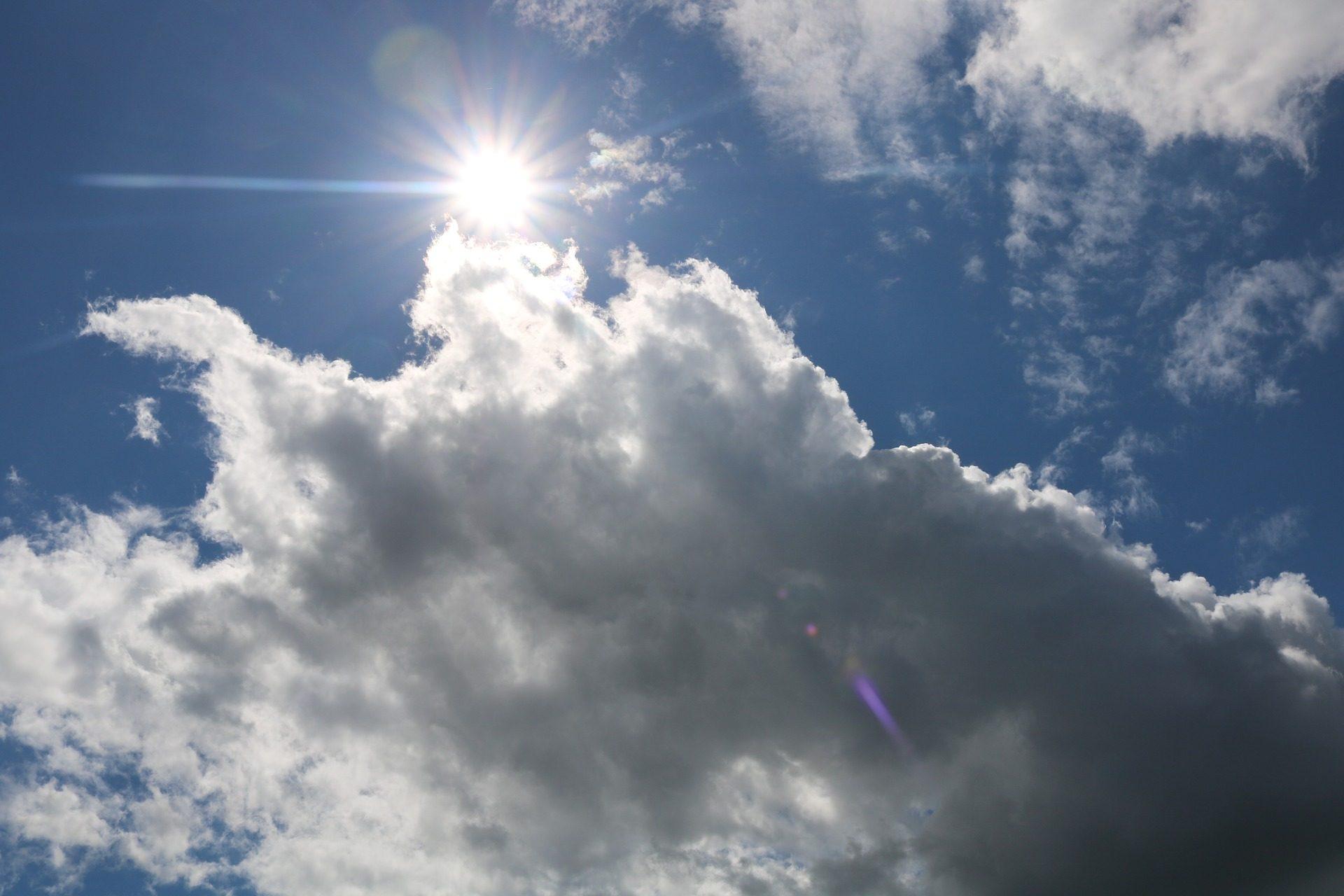 Солнце, лучи, гало, облака, Небо, жара - Обои HD - Профессор falken.com