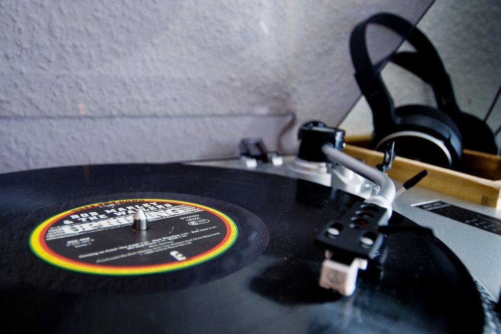 tocadiscos, disco, vinilo, vintage, auriculares, 1803262044