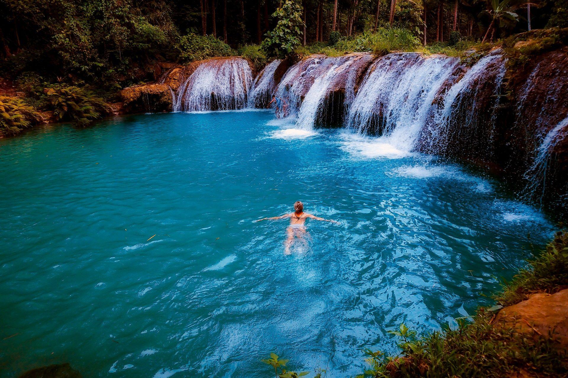 cascada, cataratas, balsa, río, mujer, baño - Fondos de Pantalla HD - professor-falken.com
