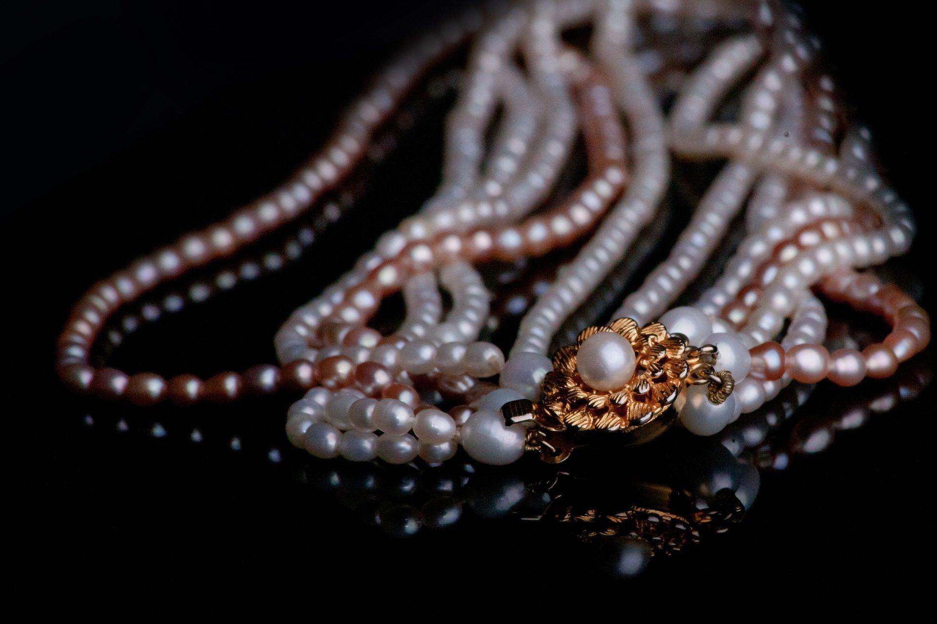 collares, perlas, joyas, brillos, oro - Fondos de Pantalla HD - professor-falken.com