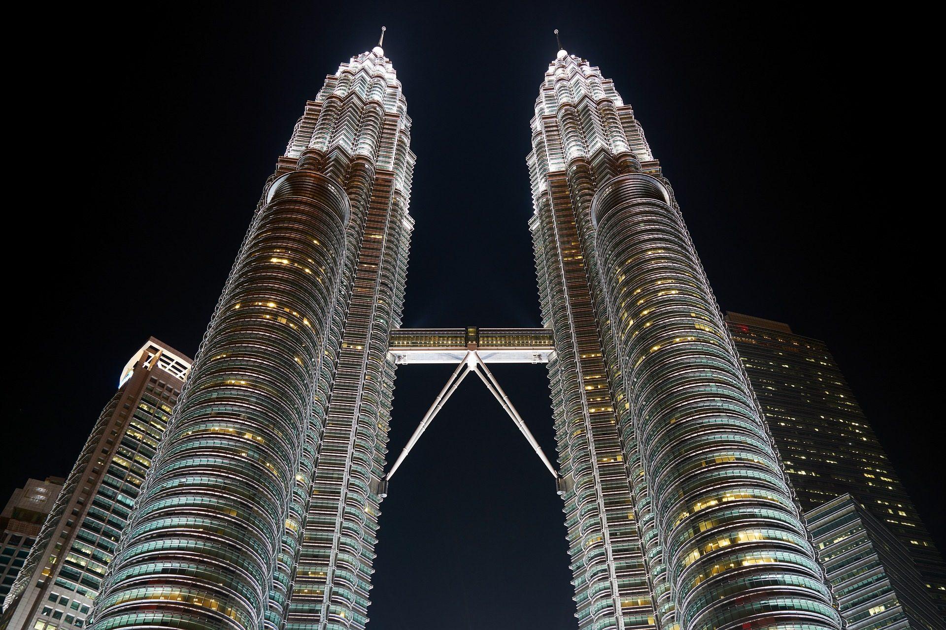 costruzione, grattacielo, luci, notte, altezza, Malaysia - Sfondi HD - Professor-falken.com